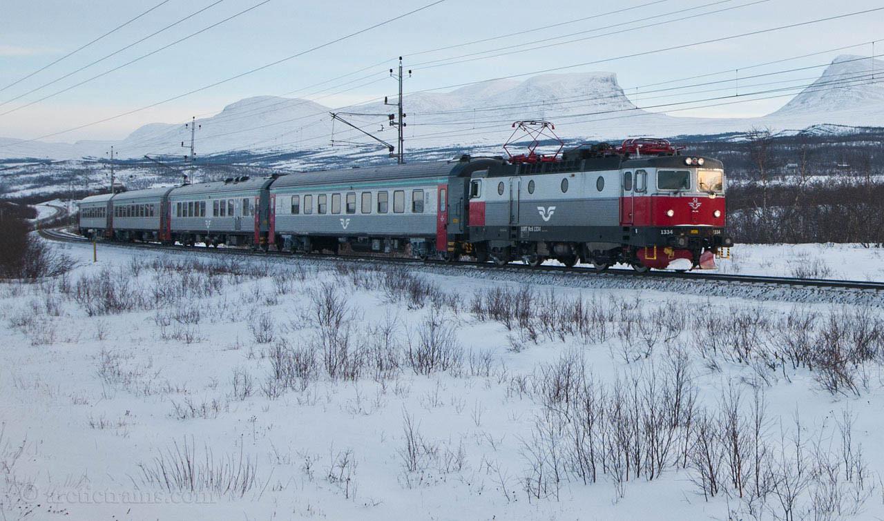 SJ Rc6 1334 Train 96 Abisko Lapporten 28-02-2010 by Terje Storjord