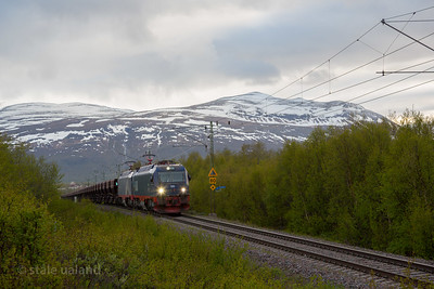 LKAB Iore  105 Narvik + 107 Svappavaara hauling empty F050s  in service 9917 at Solbacken east of Abisko st. 2016-06-05 20:54. Photo: Staale Ualand