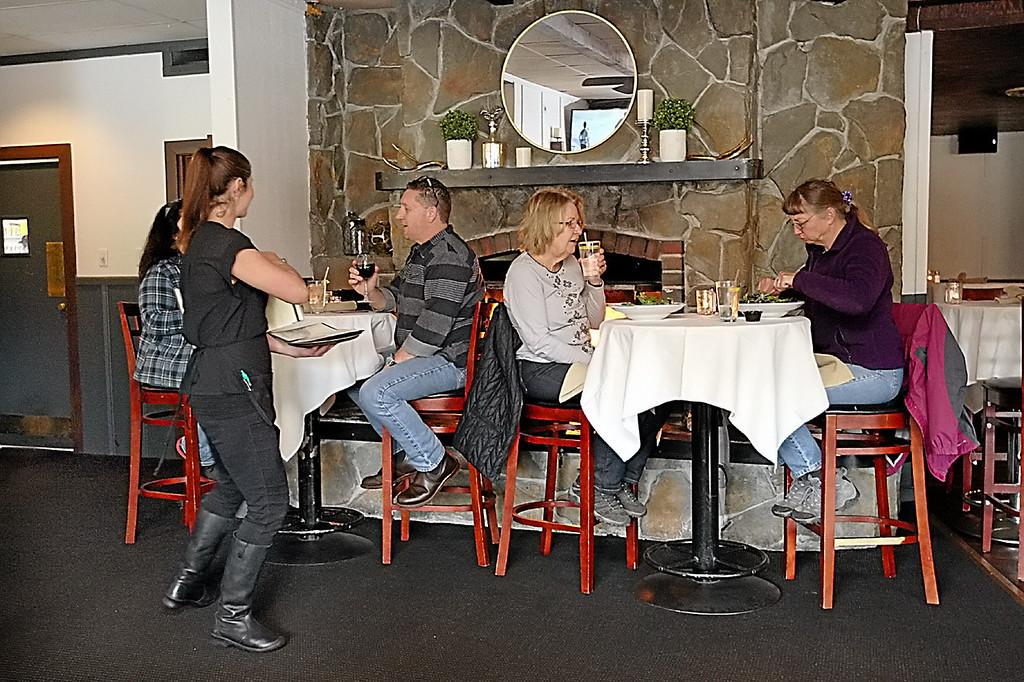 . Malone\'s Grille in Scotts Valley.  (Dan Coyro -- Santa Cruz Sentinel)
