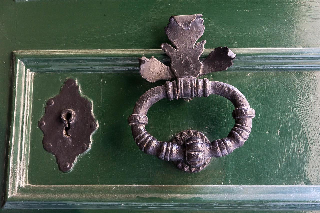 Keyhole and Knocker