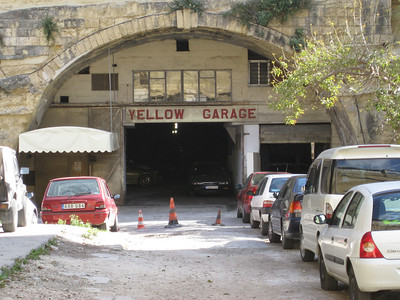Valletta Stn 2 Yellow Garage Mar 08