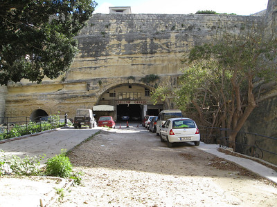 Valletta Stn 4 Yellow Garage Mar 08