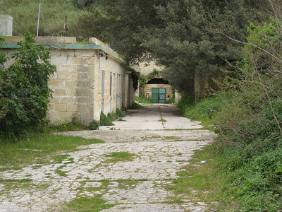 Museum Stn 9 Line towards Mdina_Notabile Mar 08