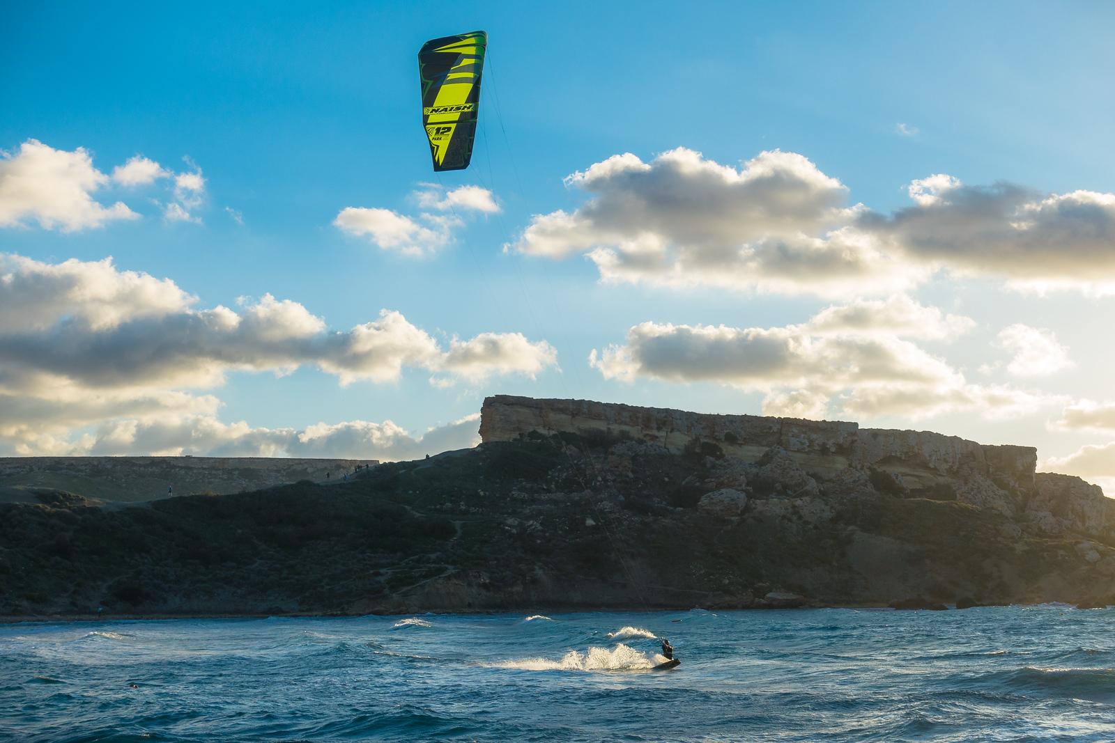 Malta Pictures - Kitesurfing at Għajn Tuffieħa Bay
