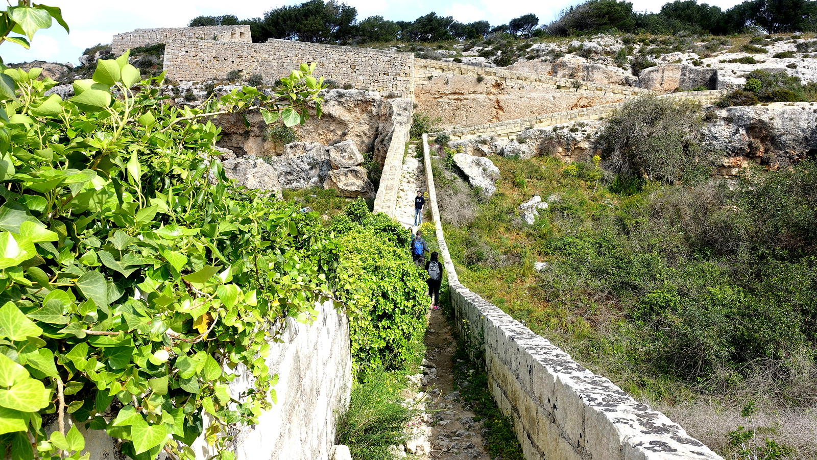 Things to Do in Malta in Winter - Victoria Lines Trek