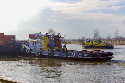 Catharina 7, motorsleepboot 02310239 https://www.binnenvaart.eu/motorsleepboot/5560-spitsbergen.html