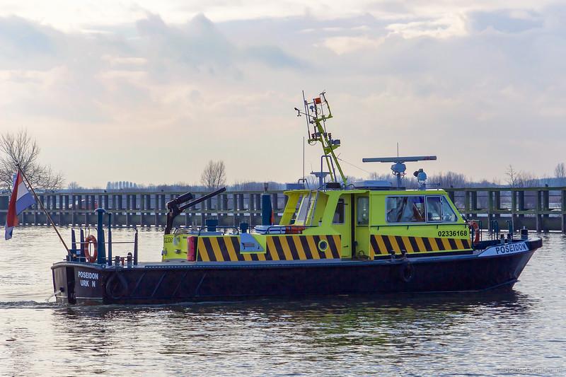 """Poseidon, dienstvaartuig 02336168 <a href=""""https://www.binnenvaart.eu/dienstvaartuig/37548-rws-37.html"""" target=""""blank"""">info</a>"""