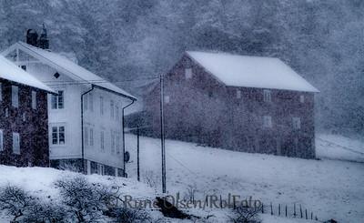 Gård i snøtetta