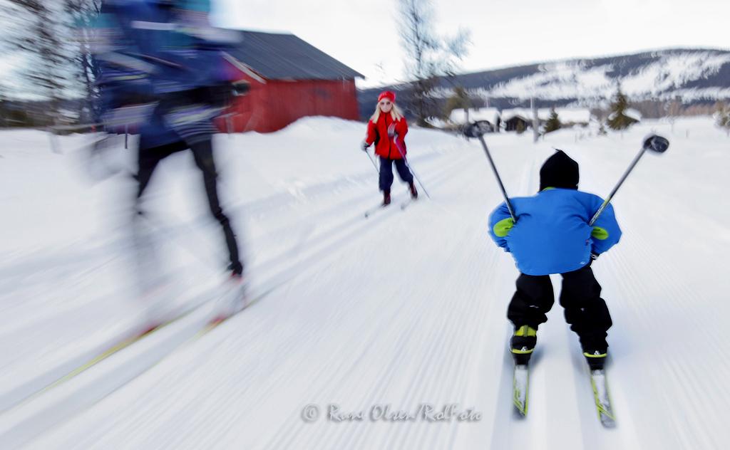 Full fart nedover skiløypa