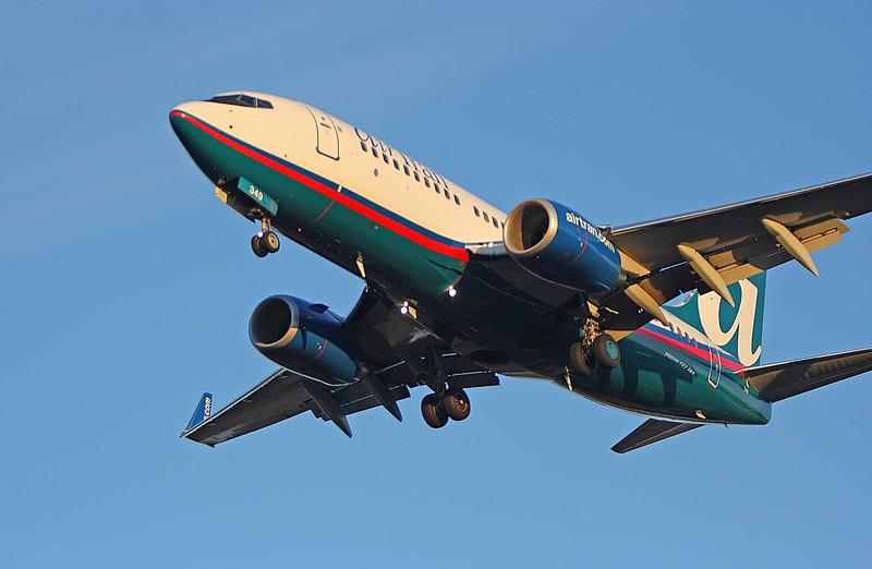 Air Tran 737-700