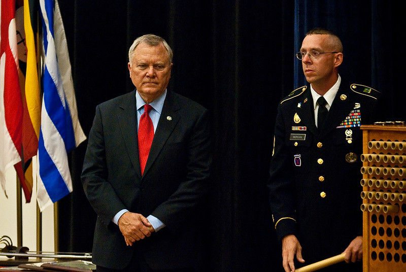 2011 10 06 Governor Nathan Deal speaks at Armor School graduation.