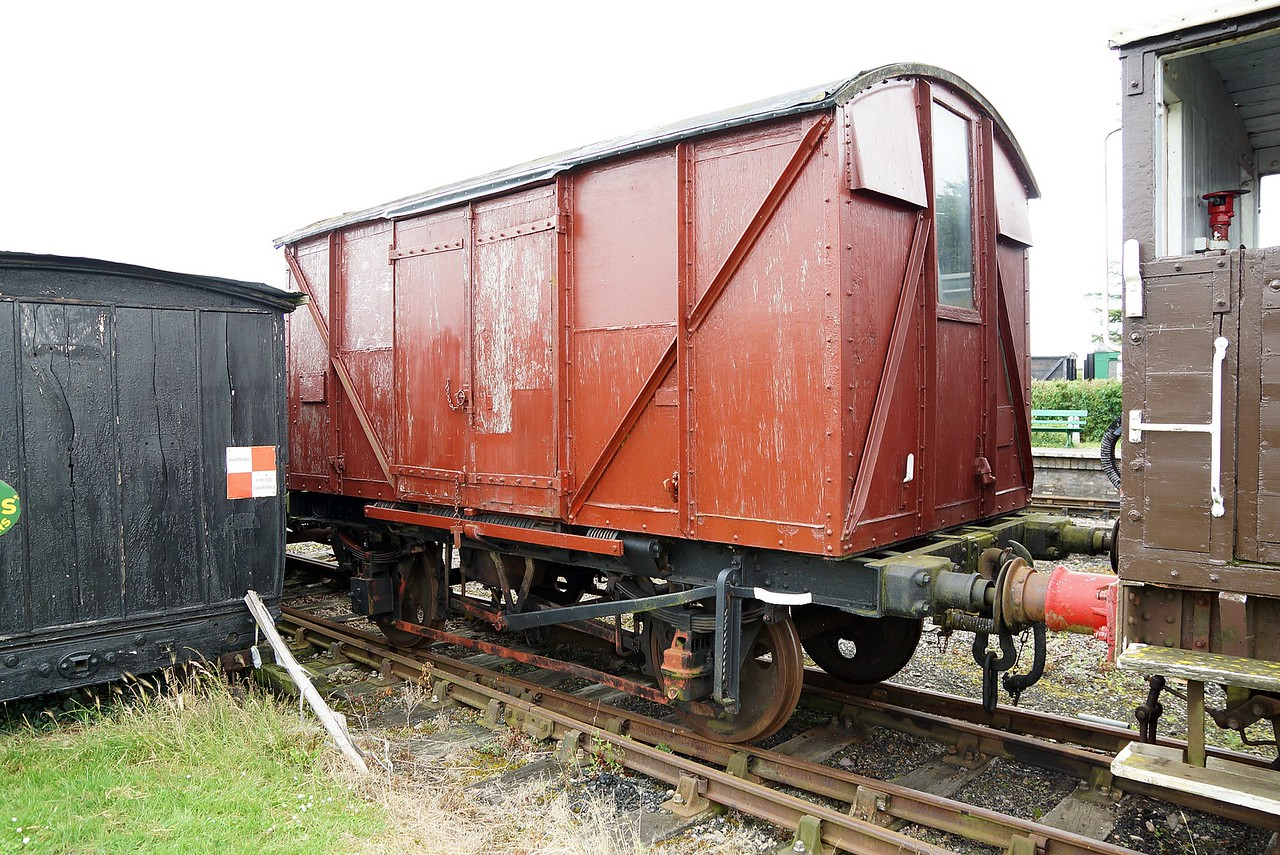 BR 850489 Ventilated Van Shocvan 10,07,2016