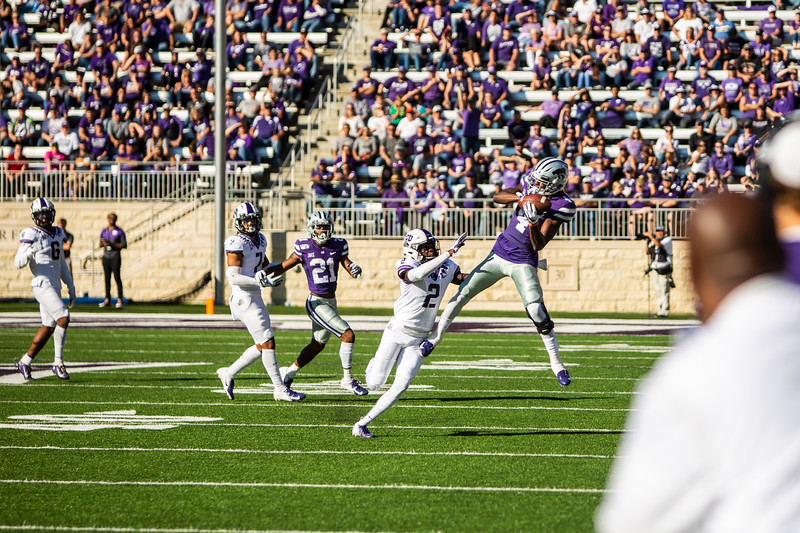 Freshman wide receiver Malik Knowles catches a pass during K-State's game against TCU at Bill Snyder Family Stadium on Oct. 19, 2019. The Wildcats took the Horned Frogs 24-17. (Logan Wassall | Collegian Media Group)