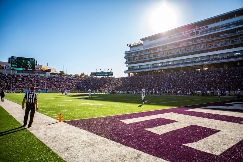 K-State plays football against TCU at Bill Snyder Family Stadium on Oct. 19, 2019. The Wildcats took the Horned Frogs 24-17. (Logan Wassall | Collegian Media Group)