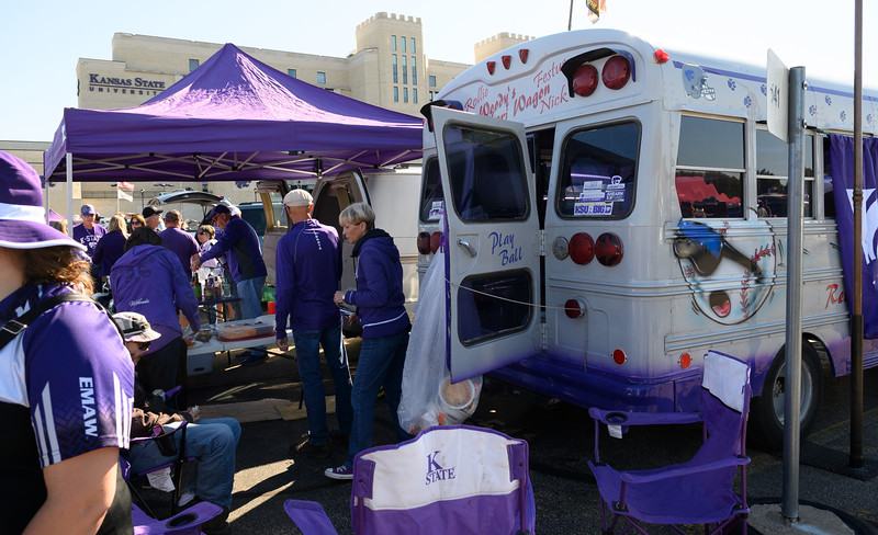 Crowds of fans gather to tailgate outside of Bill Snyder Family Stadium on Oct 19, 2019. The Wildcats defeated the Horned Frogs 24-17. (Dylan Connell | Collegian Media Group)