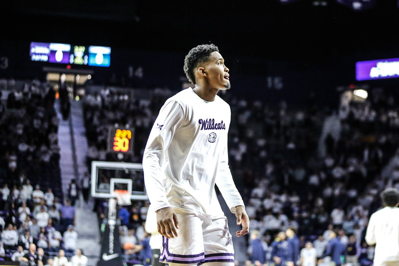 K-State's men's basketball game take on Marquette in Bramlage Coliseum on Dec. 7, 2019 for their whiteout game. The Wildcats ended up losing with a score of 73-65. (Emily Lenk | Collegian Media Group)