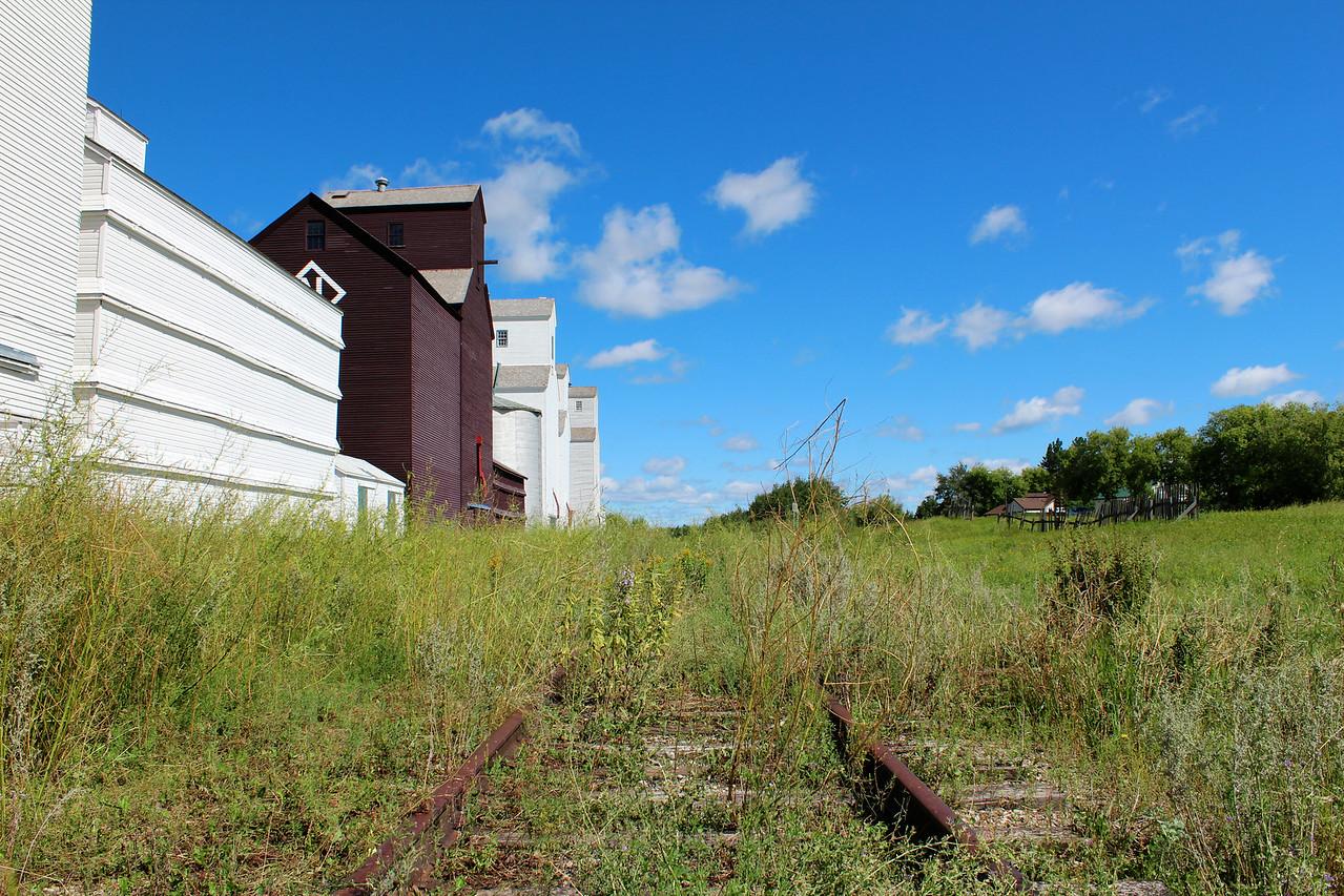 Inglis - down the tracks