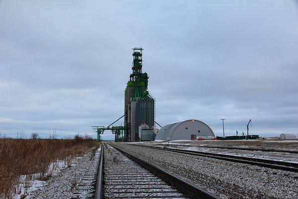 Oakner - down the tracks