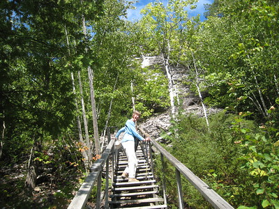Climbing to the lookout on the M'Chigeegn Hiking Trail