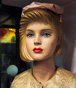 Hatted Girl, Surry Hills 2012 32 x 27cm
