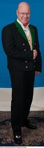 Mannsbunad fra Løken med svart jakke