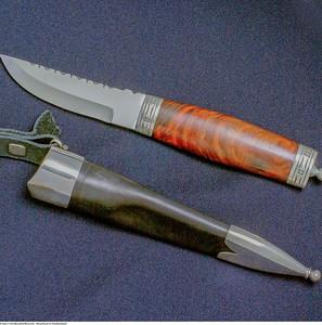 Mannsbunad fra Nordhordaland med håndsmidd bunadskniv
