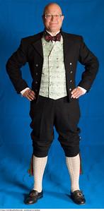 Mannsbunad fra Nordland med kort bukse, nikkers