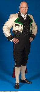 Mannsbunad fra Øst-Telemark med kort bukse