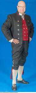 Mannsbunad fra Østerdalen med kort bukse