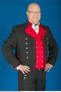 Mannsbunad fra Rogaland med rød vest og mansjett knapper i sølv