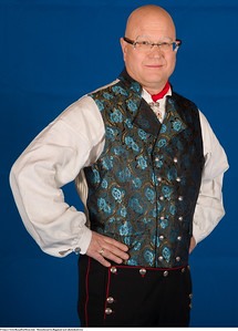 Mannsbunad fra Rogaland med silkebrokadevest og mansjett knapper i sølv