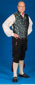 Mannsbunad fra Rogaland med silkebrokadevest og sølv knapper