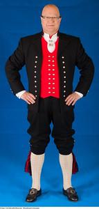 Mannsbunad fra Sunnmøre med kort bukse