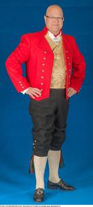 Mannsbunad fra Vestfold med rød jakke og gul silkebrokadevest med sølv knapper