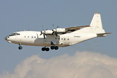 EK-12221   Antonov An-12