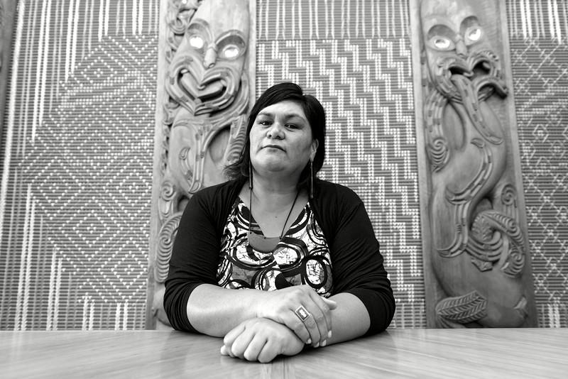Portrait de la député travailliste maorie Nanaia Mahuta (également ministre du Développement maori) dans la Maori Affairs Select Committee Room du parlement néo-zélandais. Aujourd'hui, sur les 120 sièges du parlement, 29 sont occupés par des Maoris. En outre, sur les 28 ministres que compte le gouvernement néo-zélandais, 18 sont maoris.<br /> Wellington/Nouvelle-Zélande