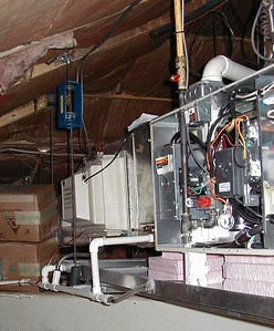 1999-01-30 gas furnace suspended, drain pan for central humidifier