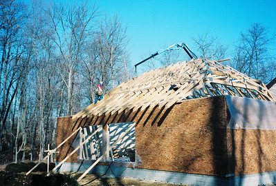 1998-12-18 foreman jack climbing the trusses (1)