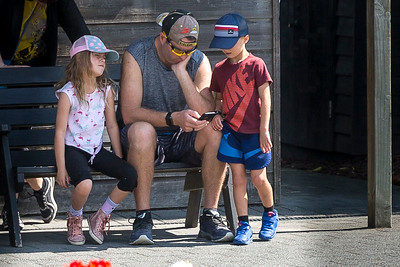 20190323 Nick James with Scarlett and Elliott at Keane Reunion in Taupo _JM_2141