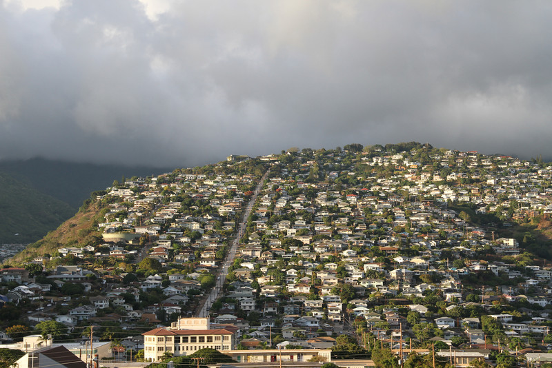 Maunalani Heights, with Wilhelmina Rise cutting vertically up its tilted slope.  Photo taken from park above the Kaimuki Fire Station.