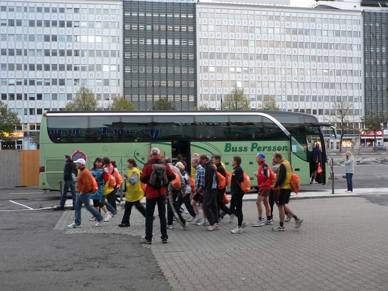 Dags att åka till starten av det 34:e Berlin Marathon.