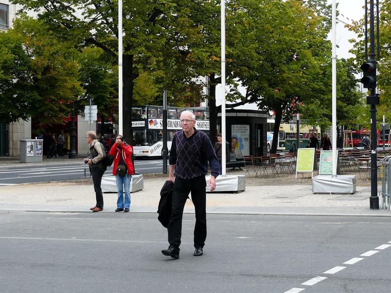 Jönsson på väg mot Brandenburger Tor