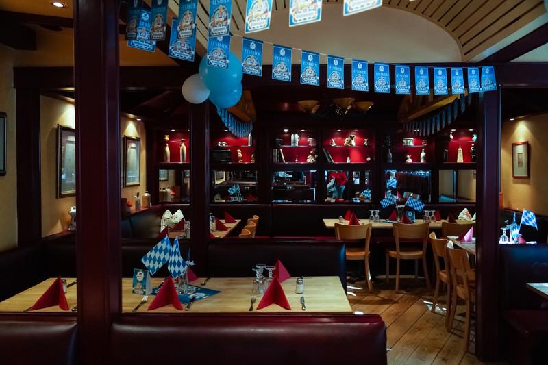 Besök på en österrikisk restaurang, Bredel's