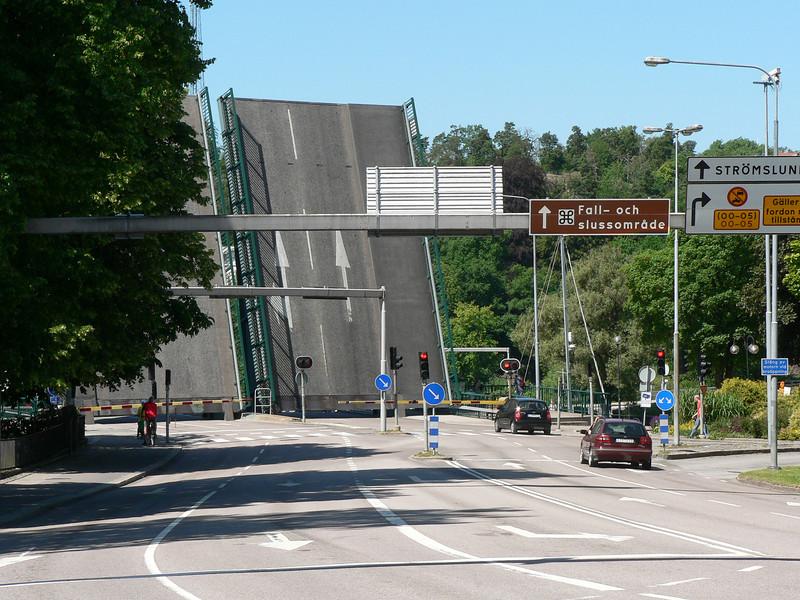 Klaffbron över Borgkanalen