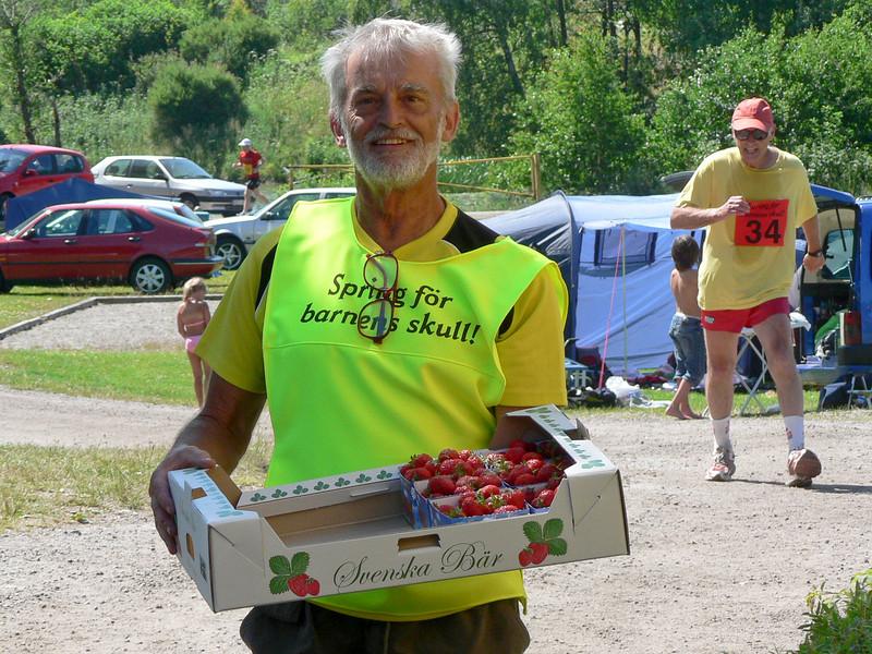 KG har varit och köpt jordgubbar