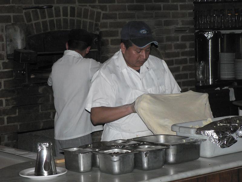 Besök på John's Pizza. Fyra ugnar på två plan