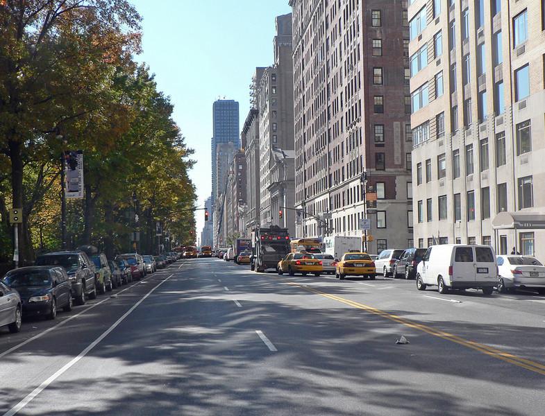 Vy längs 8:e Avenyn mot söder och Columbus Circle