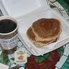 Frukost: pannkaka med lönnsirap