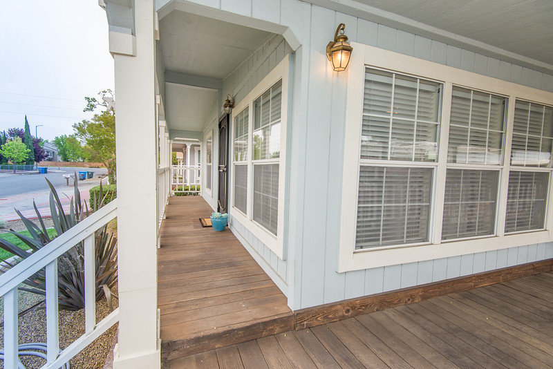 DSC_5729_entry_porch