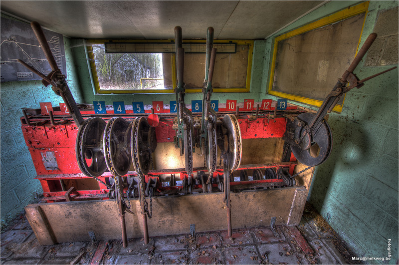train_graveyard-16
